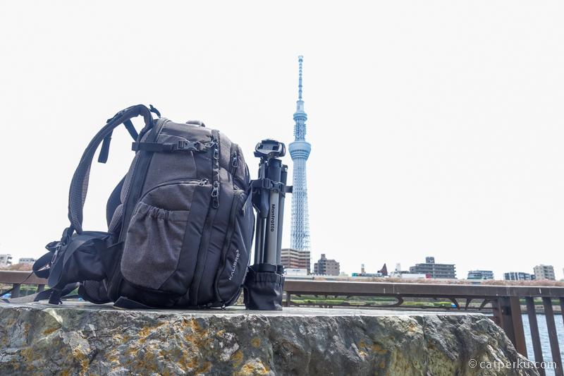 Karena modelnya backpack, saya tetap bisa bergerak secara dinamis