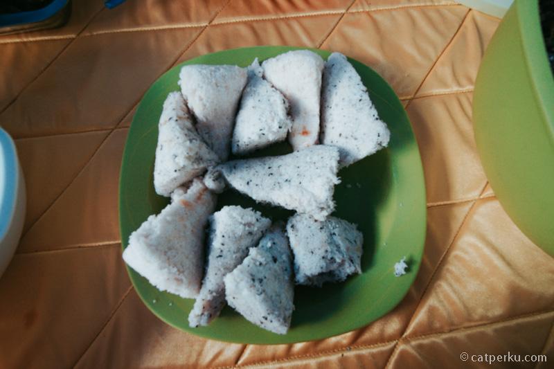 Kasuami ini adalah salah satu Kuliner Khas Wakatobi pengganti nasi