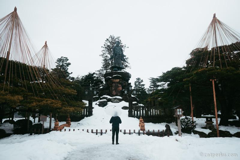 Kenrokuen Garden ketika musim dingin akan penuh dengan salju!