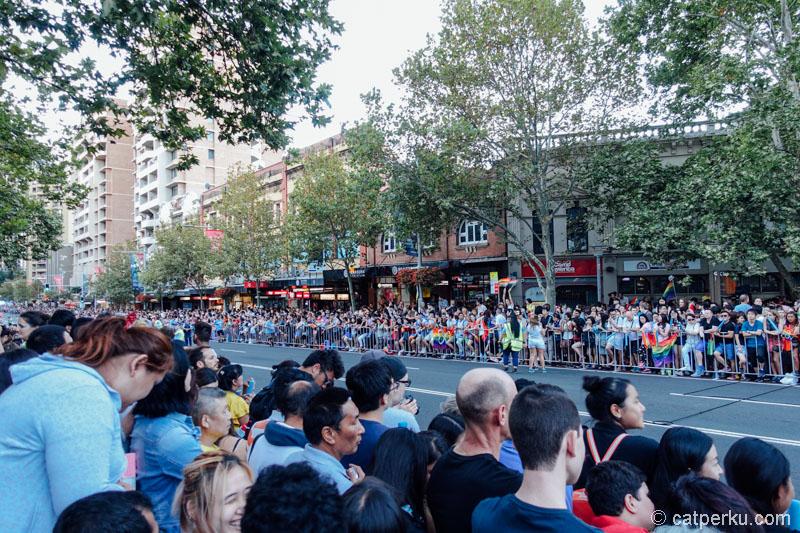 Kira-kira ada ribuan orang yang antusias untuk melihat festival ini di Sydney