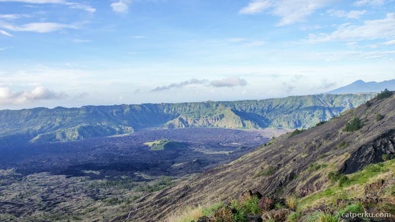 Lava Hasil Letusan Gunung Batur terlihat dari atas