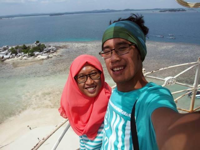 Liburan ke Belitung juga jangan sampai lupa selfie disini. Ini dimana hayo!?