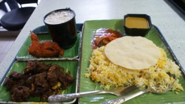 Sehari dua hari tidak akan cukup untuk mencoba makanan unik di singapore, seperti masakan india yang bisa ditemui di Little India ini