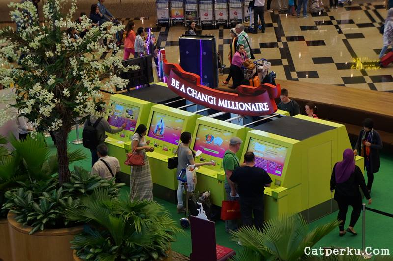 Iseng - iseng berhadiah, siapa tau dapet satu juta dollar Singapore :D