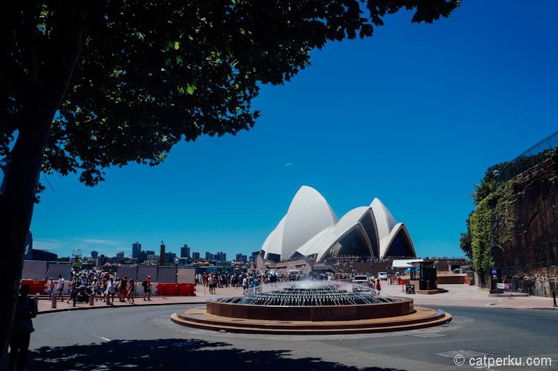 Menjelang pergantian tahun 2015 kemarin, Sydney penuh sesak dengan turis