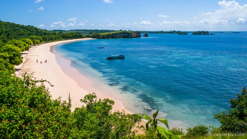 Pantai Tangsi, Lombok Timur, salah satu pantai favorit saya.