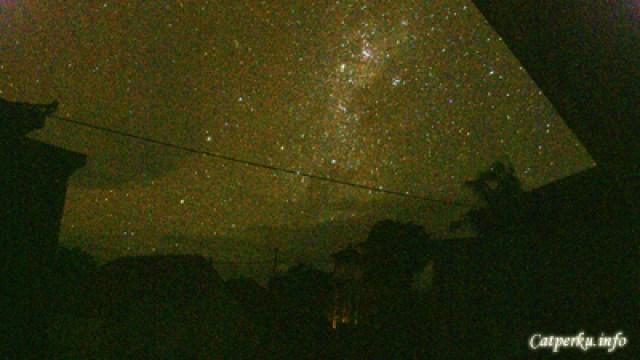 Pengalaman Nyepi Di Bali - Stargazing dari depan kamar kost ketika malam