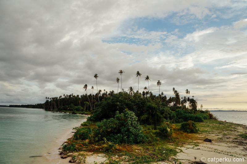 Pesona Pulau Panjang, salah satu pulau di gugusan Pulau Panjang