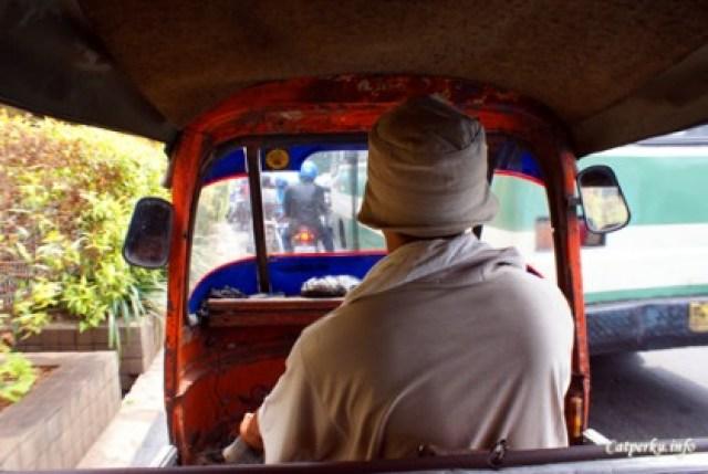 Petualangan Jakarta : Nginep Di Bandara, Monas, Bajaj
