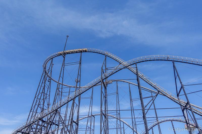 Roller Coaster FUJIYAMA di Fuji-Q Highland