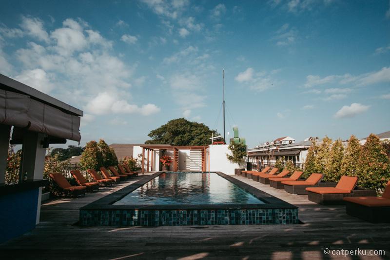 Roof top pool Sun Island Hotel And Spa Legian