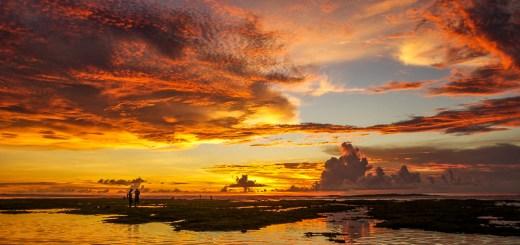 Selama tinggal di Bali, baru Pantai Blue Point ini yang pernah memberikan pemandangan sunset terbaik di Bali