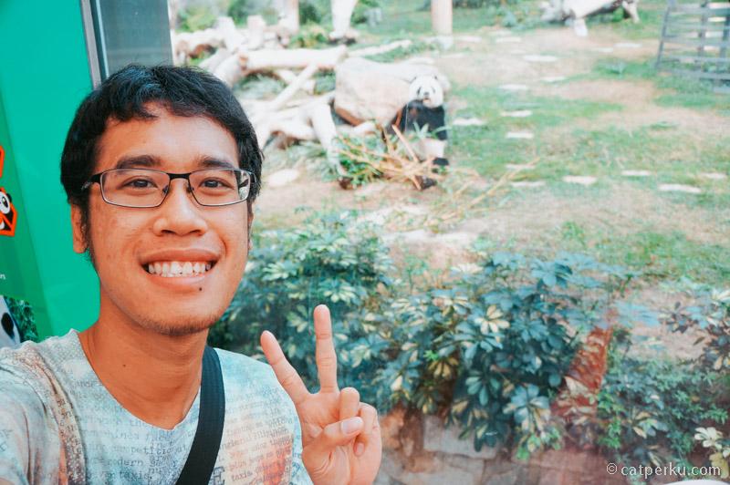 Selfie dulu bareng si Panda!