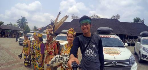 Selfie dulu bareng yang bening-bening di Desa Budaya Pampang