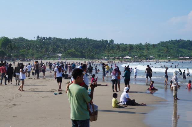 Semuanya berbahagia ditempat ini, Pantai Sawarna Beach Sukabumi!