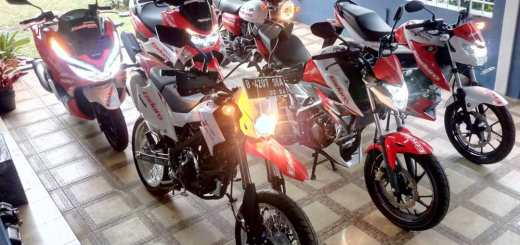 Sepeda Motor Yang Digunakan untuk touring Sumatera - Jawa.