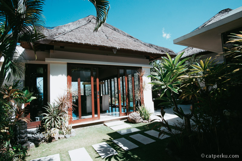 Sesaat setelah memasuki villa 2 kamar akan mendapati view seperti ini.
