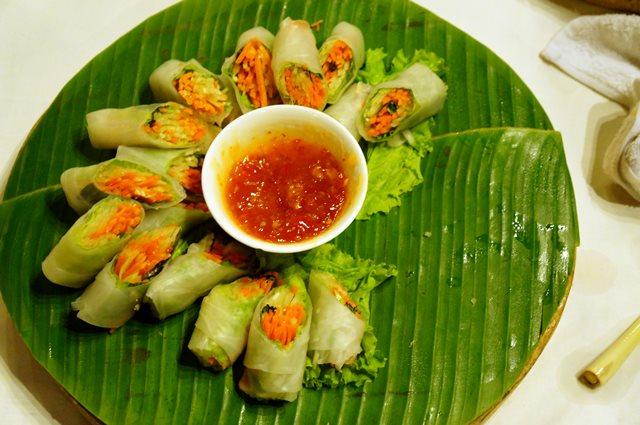 Snack vegetarian menyambut di loby resort