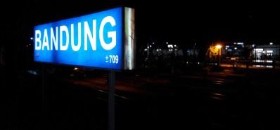 Stasiun Bandung di malam hari