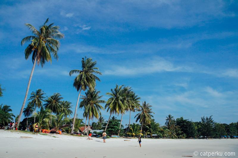 Tanjung Kelayang bikin saya melayang~ haus sih soalnya~ :p