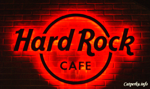 Bored Lead To Creativity : The Famous Hard Rock Cafe, Kuta Bali