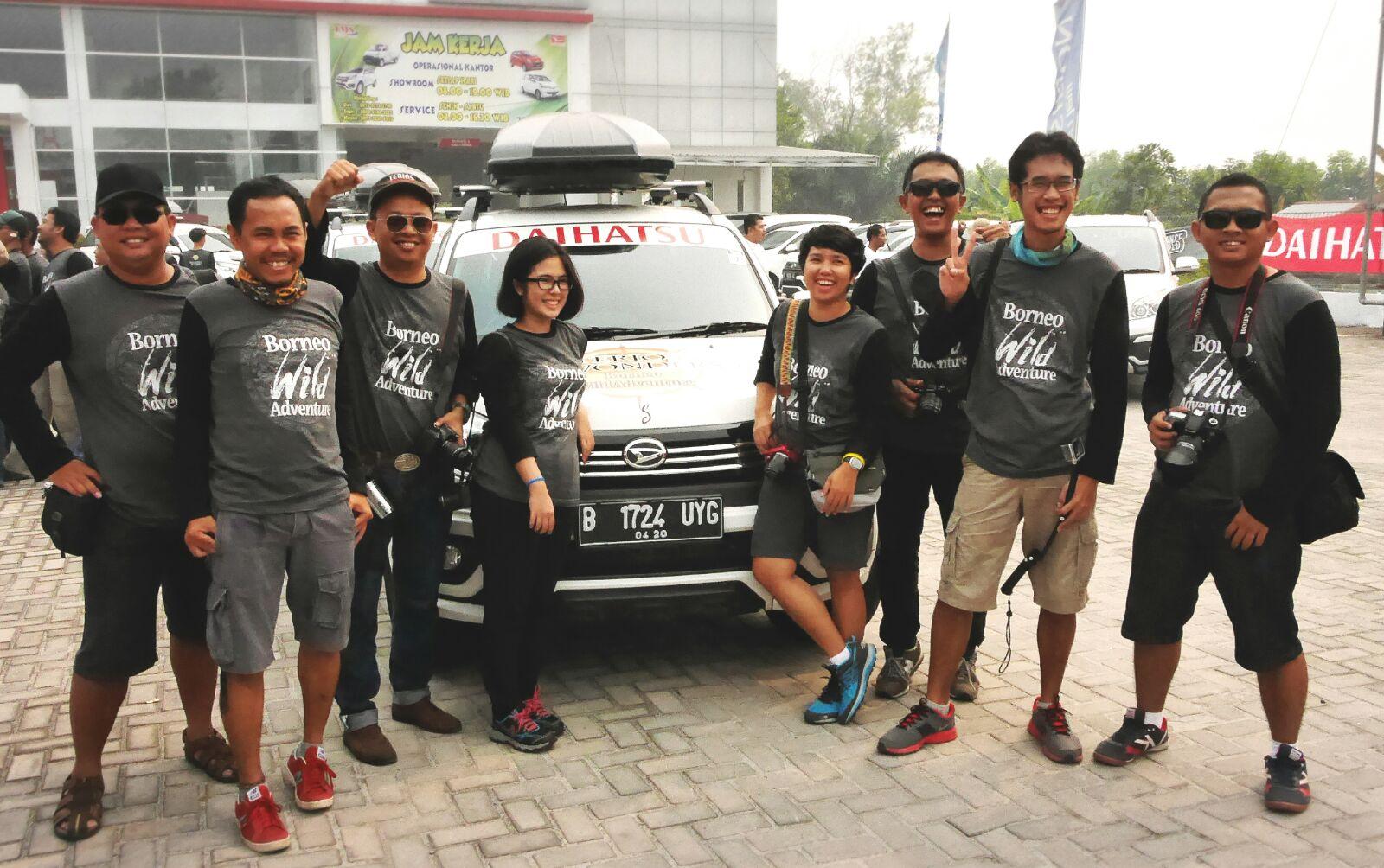 Tim Bloggers di Terios 7 Wonders Borneo Wild Adventure! Ada yang bisa tebak difoto ini siapa saja? Coba sebutin satu-satu di komentar :D