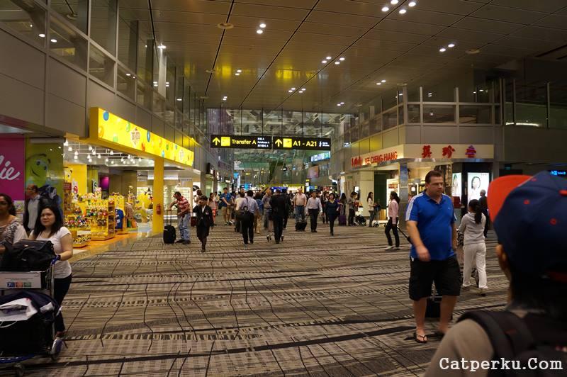 Total ada tiga terminal, siapkan kaki untuk mengeksplore tiap sudut Bandara Changi!