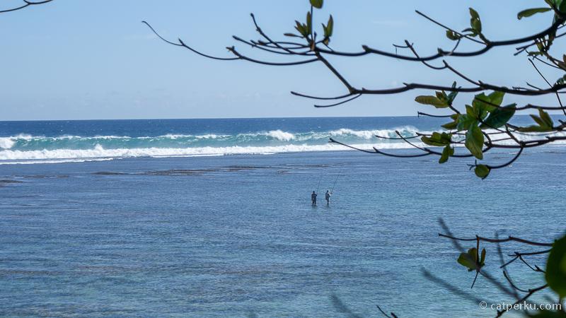 Waktu terbaik berkunjung adalah ketika air laut sedang surut