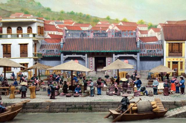 Ada banyak diorama yang menggambarkan kehidupan sehari - hari bangsa Macau seperti ini.