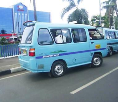 Angkot Kota Bandung berguna untuk keliling kota bandung. Angkot Bandung ini juga bisa diandalkan.