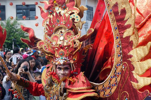 Kostum unik yang  harusnya bisa ditemui di acara Solo Batik Karnival, bisa ditemui di Grebeg Sudiro.