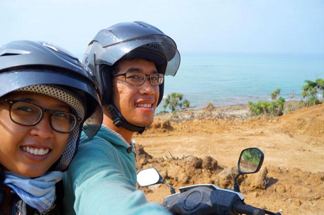 Membelah Pulau Jawa dari ujung utara ke selatan hingga Sawarna.