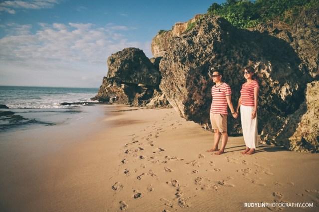 Pantai Tegalwangi adalah pantai favorit untuk dipakai foto Pre Wedding!