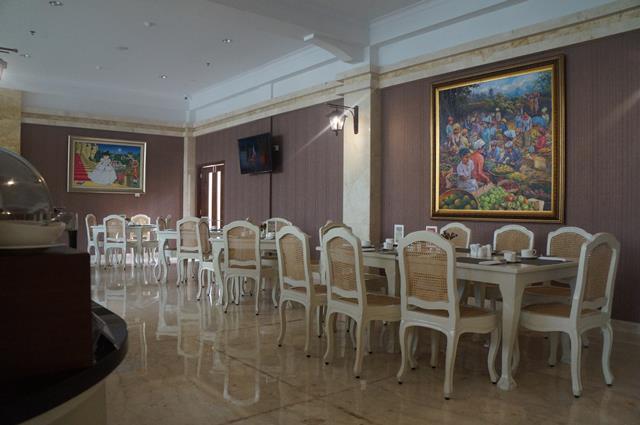 Suasana restoran untuk sarapan pagi Gallery Prawirotaman Hotel.