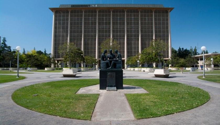 Fresno Superior Courthouse Downtown California Traffic