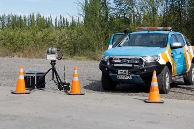 Vuelven las multas con radares en las rutas y habrá un peaje