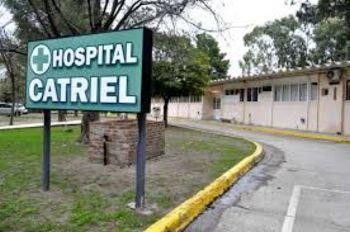 Catriel: se habría contagiado Covid cuando fue a vacunarse, está grave y la terapia colapsada