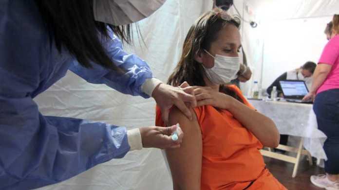 Río Negro: vacunarán a apersonas entre 50 y 59 años sin factores de riesgo