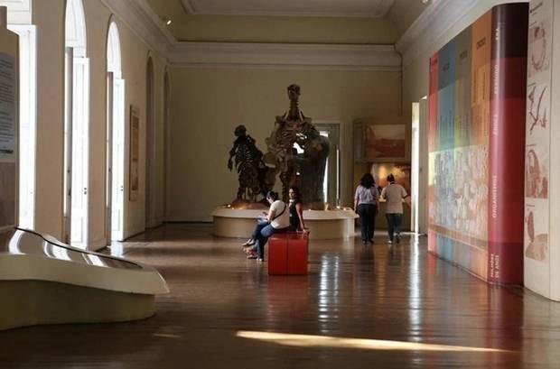 Una sala del Museo Nacional de Río de Janeiro, antes de desastre.