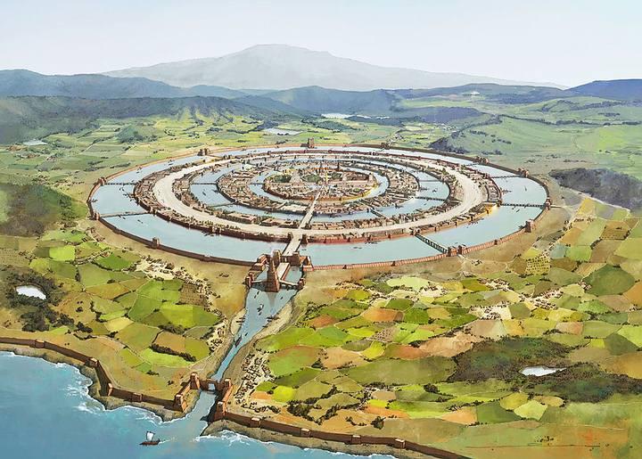«El mayor de los círculos en los cuales se excavó una zanja para el mar tenía tres estadios de ancho, y el círculo contiguo de tierra tenía una anchura idéntica; y del segundo par de círculos, el del agua tenía dos estadios de ancho, y el de tierra firme igual anchura que el precedente de agua; y el círculo que rodeaba finalmente a la isla central tenía un estadio de ancho. La isla, en la cual se alzaba el palacio real, tenía cinco estadios de diámetro». Platón.