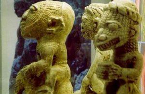 Investigadores descubrieron figuras de lagartos humanos de 19.000 años de antigüedad con esferas de cromo perfectas en su interior