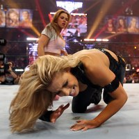 Cattie's Catch Up: Trish Stratus vs Mickie James for the Womens Championship at WrestleMania 22 (April, 2nd 2006)