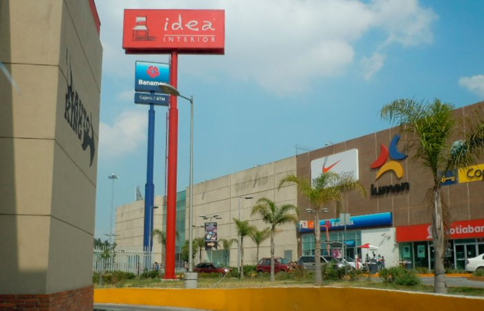 Publicidad en Plaza Central