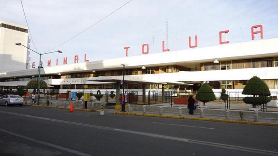 Publicidad en Terminal de Autobuses Toluca