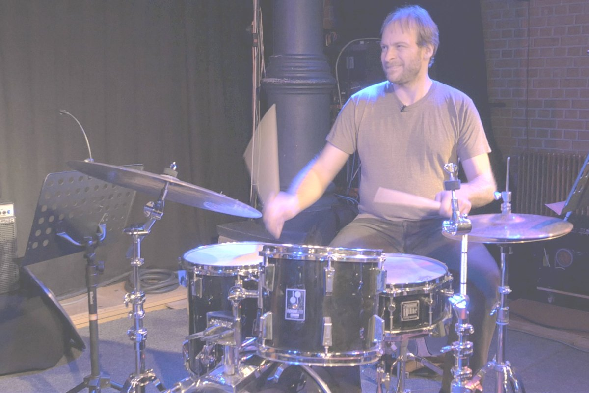 How Ari Hoenig practices anywhere