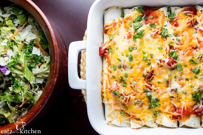 Cinnamon Chicken Enchiladas | Catz in the Kitchen | catzinthekitchen.com #enchiladas