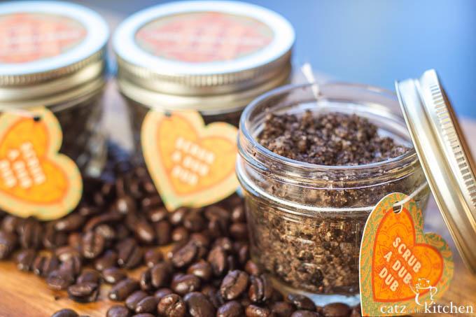 Coffee Vanilla Scrub   Catz in the Kitchen   catzinthekitchen.com #mothersday