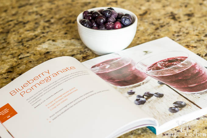 Blueberry Pomegranate Smoothies   Catz in the Kitchen   catzinthekitchen.com #smoothies