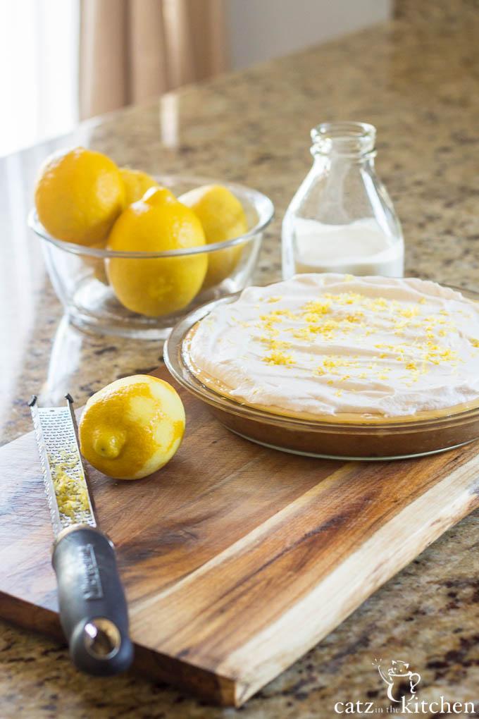 Lemon Cream Pie | Catz in the Kitchen | catzinthekitchen.com #FathersDay