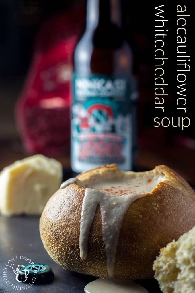 Ale, Cauliflower, & White Cheddar Soup | Catz in the Kitchen | catzinthekitchen.com | #whitecheddar #soup #beer